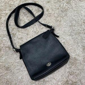 Coach | Vintage Leather Flap Turnlock Crossbody
